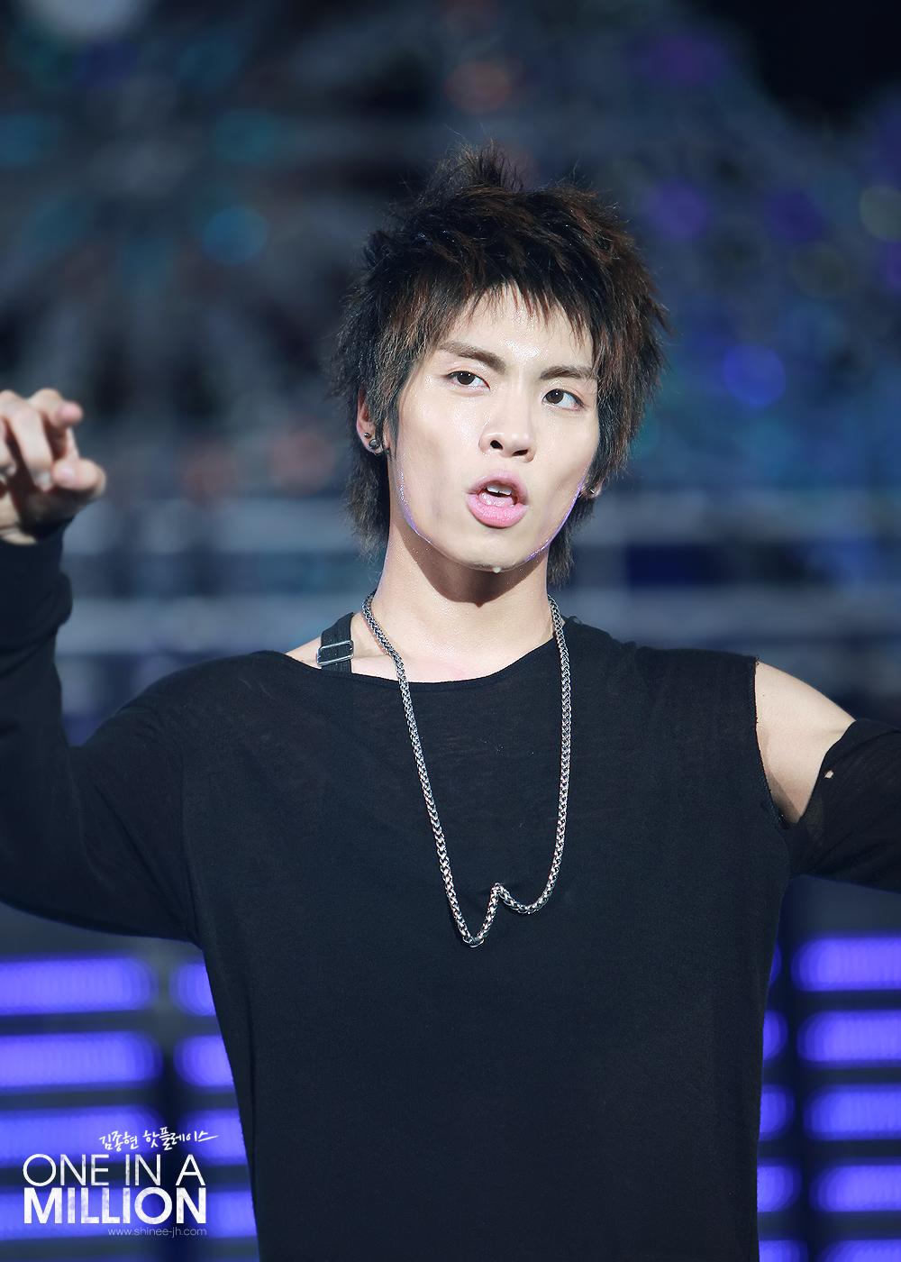 jonghyun   summer concert   u201cwowowow u201d image spam